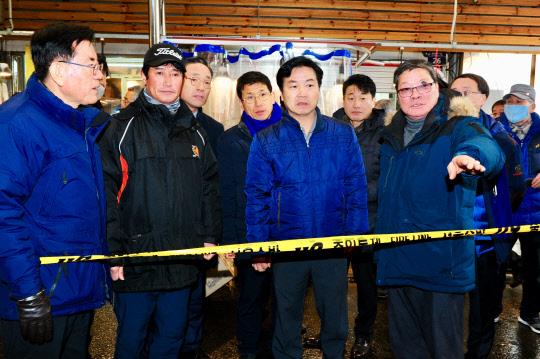 홍종학 중기부 장관, 청량리 전통시장 인근 화재현장 찾아